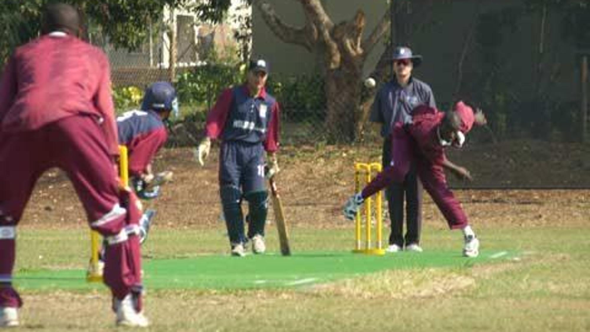 22203 Gambia-fast-bowler-in-actio