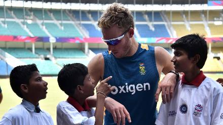 David Miller with some young fans at Cricket for Good clinic