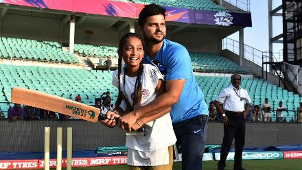 Suresh Raina shows its all about teamwork at Indias Cricket for Good clinic