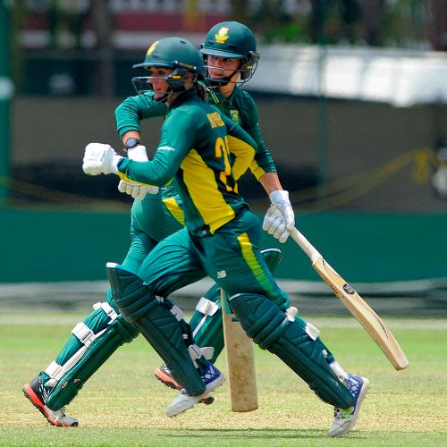Mignon du Preez was the top scorer for South Africa Women with 40 in 72 balls, as they were bowled out for 244 in 49.4 overs.