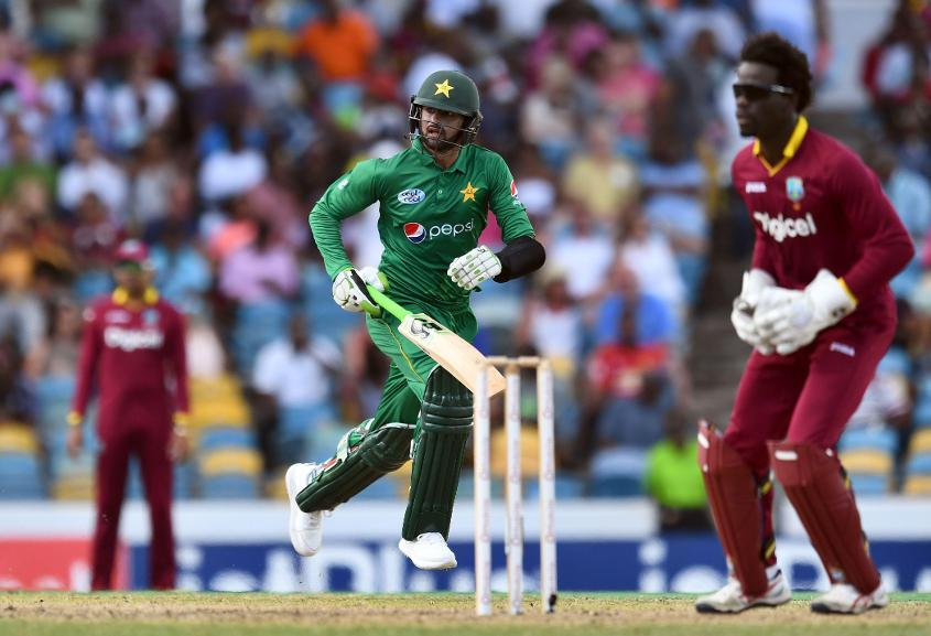 Shoaib Malik got together with Babar Azam to put on 46 runs for the fourth wicket and steady the chase