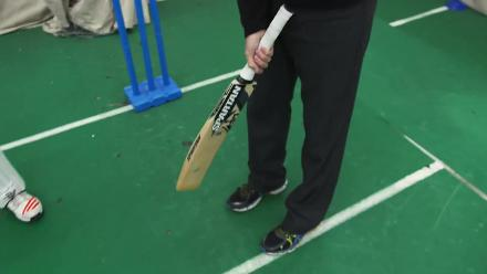A visit to Ilford Cricket School with Nasser Hussain