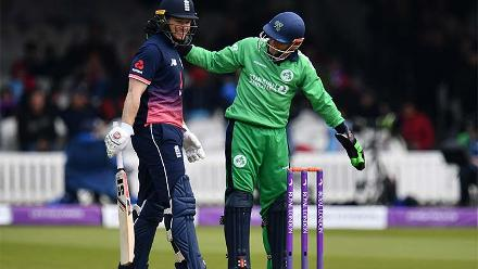 Eoin Morgan got lucky when the ball rolled back to the stumps, but didn't dislodge the bails.