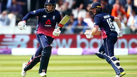 A brisk 140-run stand for the third wicket between Joe Root and Eoin Morgan took England from 60/2 to 200/3.