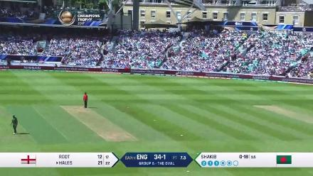 FIFTY: Alex Hales brings up his 50