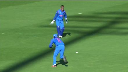 WICKET: Malik run out by Jadeja for 15