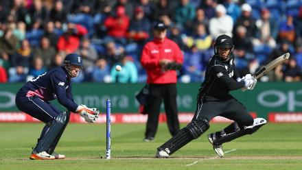 Ross Taylor anchored the innings with a set 39 off 59 balls, and stitched a 95-run partnership for the third wicket with Williamson, but was caught by Joe Root at deep midwicket while attempting a slog.