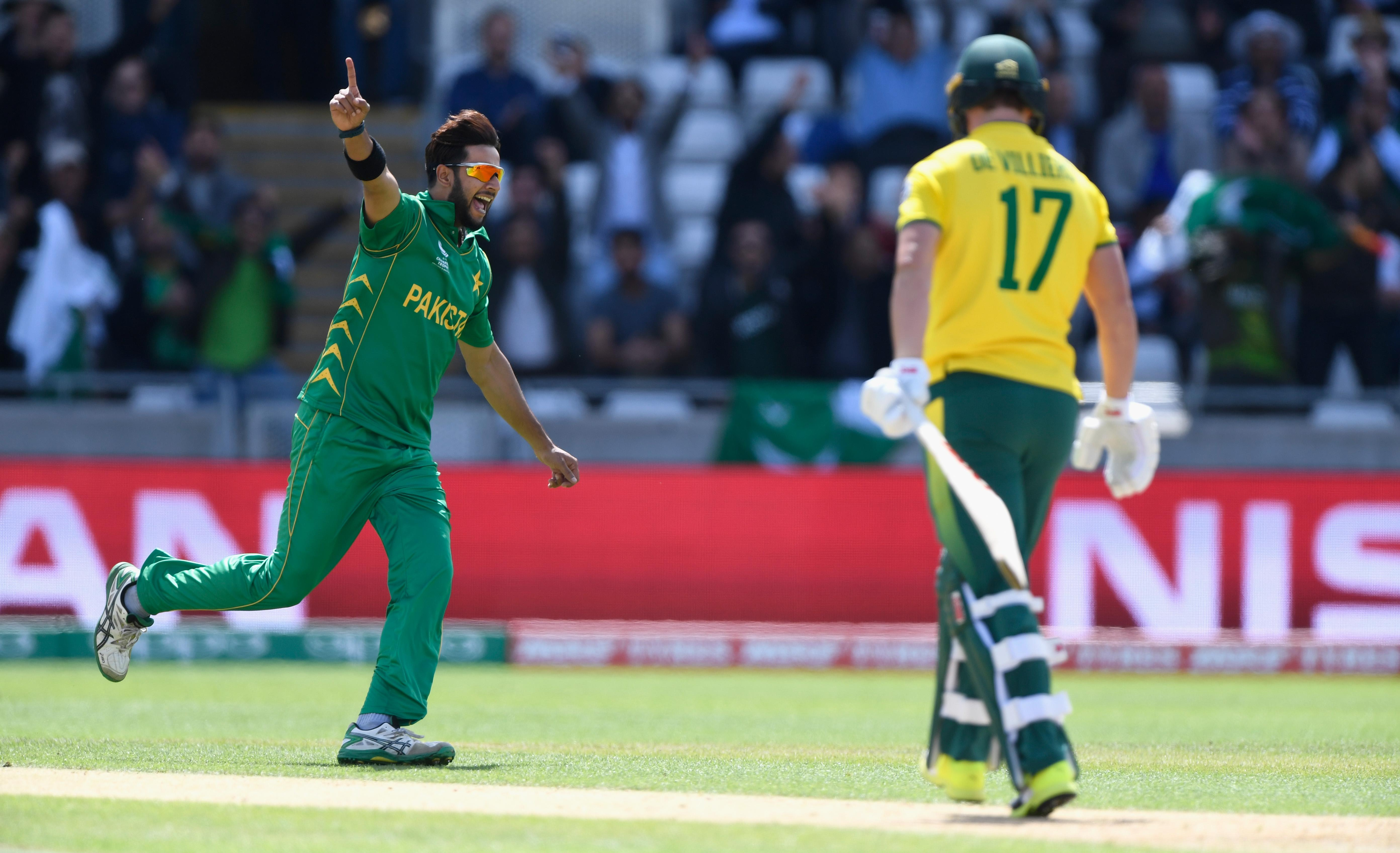 icc-cricket.com - Imran Tahir hands number-one ranking to Imad Wasim