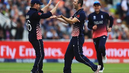 After Moises Henriques fell for 17, Mark Wood tipped the scales firmly in England's favour by getting Steve Smith for a composed 77-ball 56.