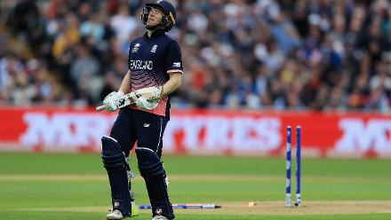 The 159-run stand finally came to a close with Eoin Morgan getting run out for an 81-ball 87.