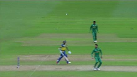 WICKET: Gunathilaka falls to Junaid for 13