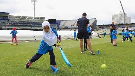 ICC Cricket For Good Clinic – Mike Hussey, Birmingham