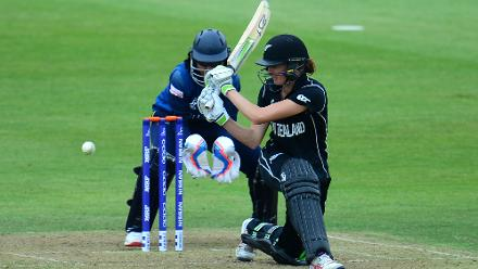 Amy Satterthwaite followed in her captain's footsteps and the duo made light of the small chase.