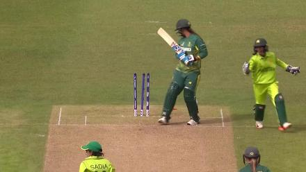 WICKET: Chloe Tryon falls to Sadia Yousuf for 3