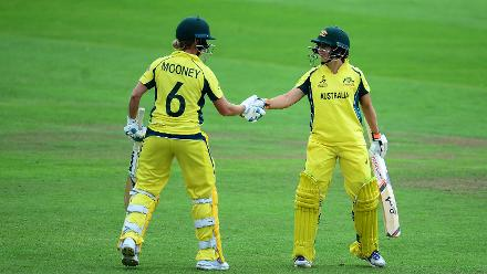Mooney shared a 171-run opening-wicket stand with Nicole Bolton.