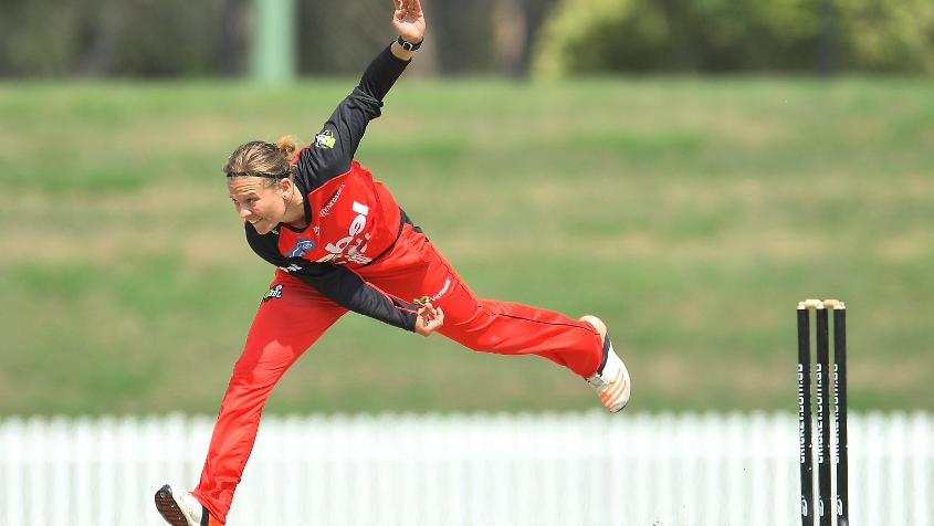 Tahuhu played for Melbourne Renegades in the WBBL.