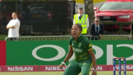 WICKET: Stafanie Taylor is bowled by Shabnim Ismail