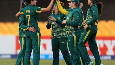 Marizanne Kapp took 4 for 14 in 7 overs to severely dent West Indies.