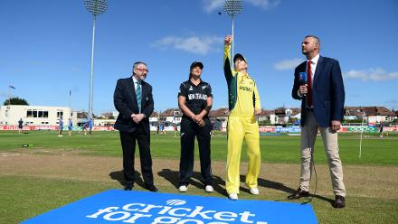 Suzie Bates and Meg Lanning at the toss