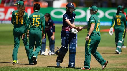 Sarah Taylor shakes hands with Lizelle Lee after Taylor had been dismissed for 147 runs.