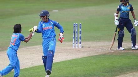 Poonam Yadav celebrates the wicket of Hansika with Sushma Verma