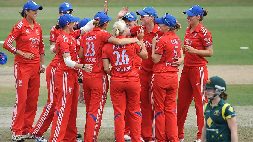 Two mini Australian batting collapses orchestrated by a skilful England bowling display gave Charlotte Edwards' side an impressive win.