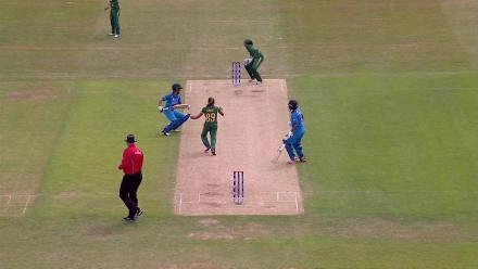 WICKET: Sushma Verma is run out by Lizelle Lee