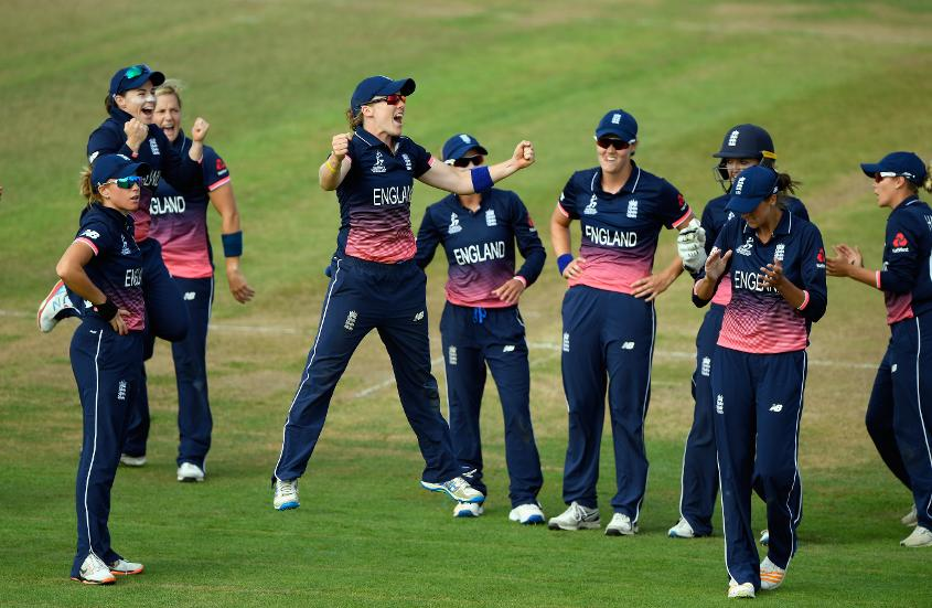 England women celebrating