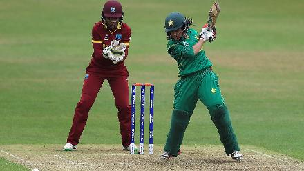 After Ayesha Zafar was removed cheaply by Akeira Peters, Javeria Khan batted resolutely.