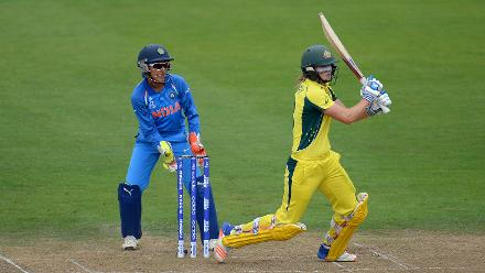 Ellyse Perry started off slowly, but soon picked up pace scoring a fine 60 off 67 deliveries with eight hits to the fence