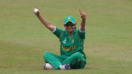 Sana Mir celebrates after dismissing Chamari Athapaththu.