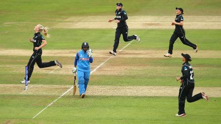 Harmanpreet Kaur wicket