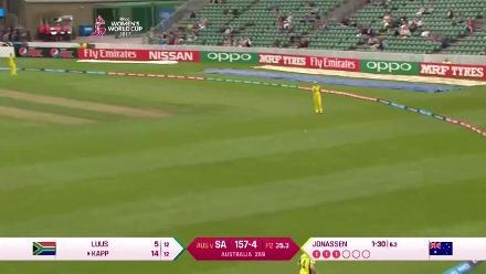#WWC17 AUS v SA: Marizanne Kapp scores a quick 19
