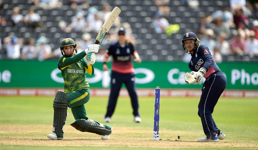 Mignon du Preez ended the innings with a flourish scoring a  95-ball 76 to guide South Africa to 218 for 6 at the end of its 50 overs