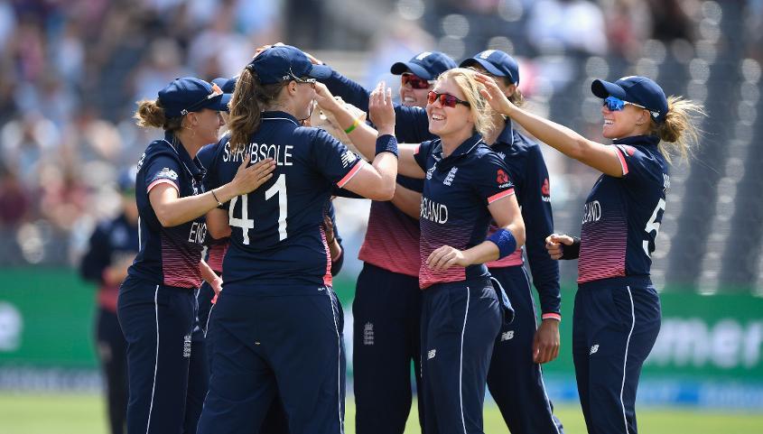 England women celebrating