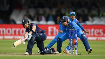Lauren Winfield was bowled by Rajeshwari Gayakwad for 24