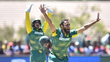 Imran Tahir took the wicket of Shakib for 29 off 43 balls.