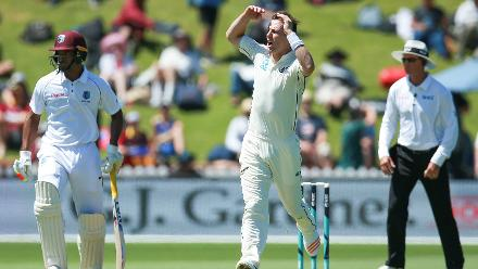 Trent Boult took the remaining two wickets with Mitchell Santner effecting the run-out of Shane Dowrich.