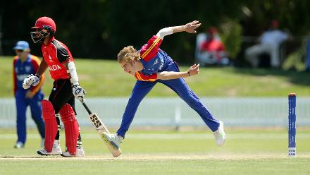 Jan-Izak de Villiers of Namibia bowling