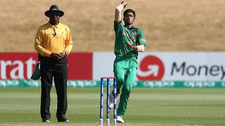 Robiul Haque of Bangladesh bowling