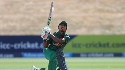 Afif Hossain Dhrubo of Bangladesh bats