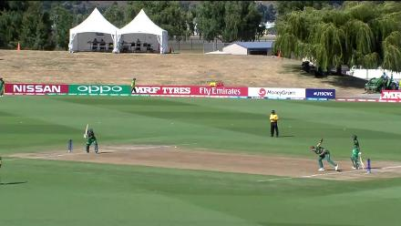 U19CWC POTD - Jade de Klerk's diving catch