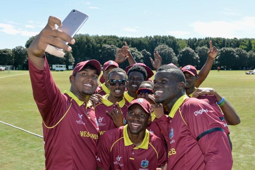 Bhaskar Yadram takes a team selfie