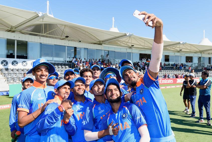 Selfie time: India celebrate their semi-final victory over Pakistan
