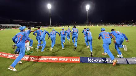 India Rush The Field After Winning