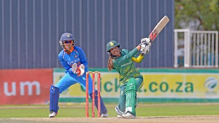 Suné Luus bats against India during the second ODI at the Diamond Oval in Kimberley on Wednesday