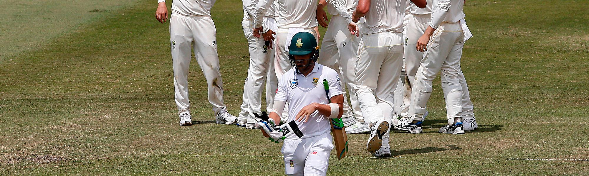 Faf du Plessis walks off
