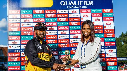 Man of the match PNG batsman Tony Ura receives his award during a Group A World Cup Qualifier cricket match between Papua New Guinea and Ireland at Harare Sports Club, March 6 2018 (©ICC).