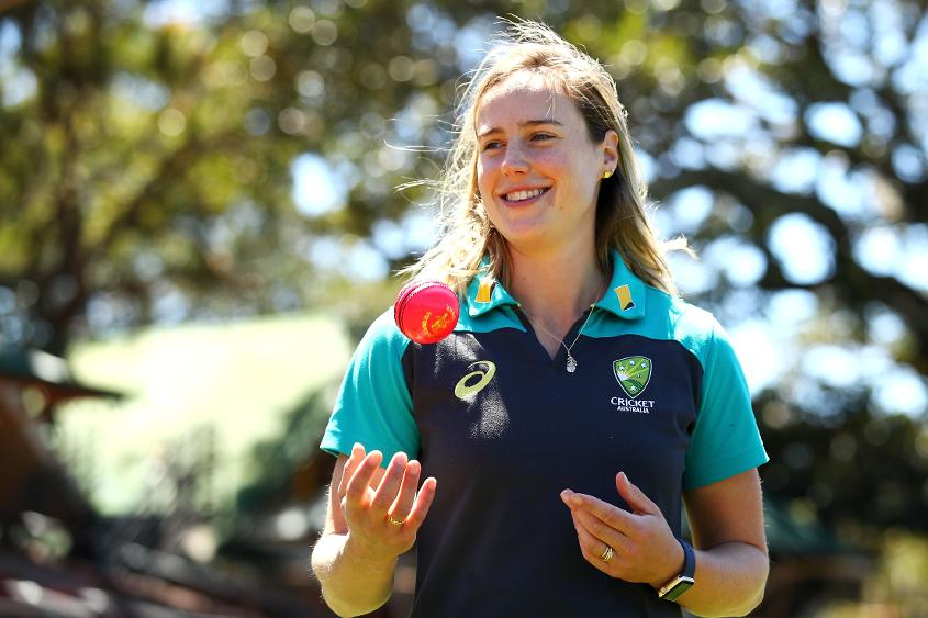 In 2017 Ellyse Perry claimed the Belinda Clark Award and ICC Women's Cricketer of the Year titles