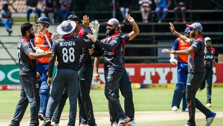 UAE players celebrate the wicket of batsman Ben Cooper during a Group A World Cup Qualifier cricket match between United Arab Emirates and Netherlands played at Harare Sports Club March 8 2018 (©ICC).